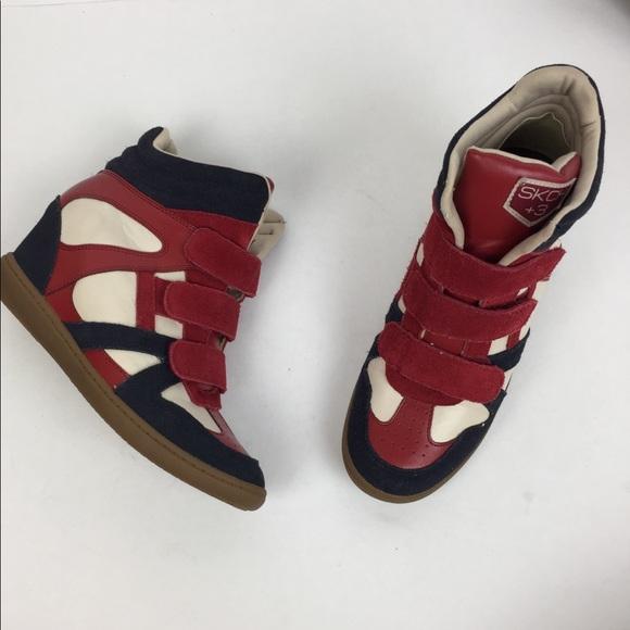 3aa433a1b9df3a M 5b6cd01a5bbb8088b3881e48. Other Shoes you may like. Skechers